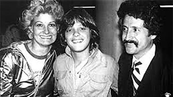 Luis Miguel con sus padres