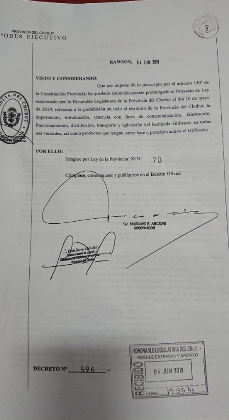 El documento firmado por Arcioni