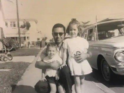 Con su padre y su hermana Cathy (Foto: Washington Post)