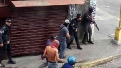 Colectivos en la frontera de Táchira