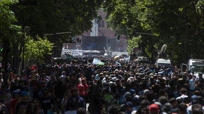 Argentina no cuenta con una fórmula para inmunizar a la población, la herramienta siguen siendo las medidas de prevención