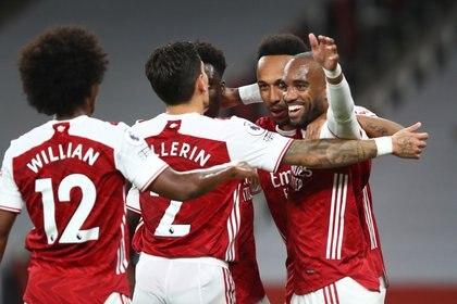 Una figura del Arsenal reveló los motivos por los que rechazó ir al Barcelona de Koeman  via REUTERS
