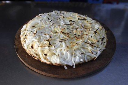 La fugazzeta, junto a la de muzzarella, es la más popular.