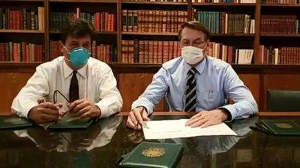 Bolsonaro se hace prueba del coronavirus