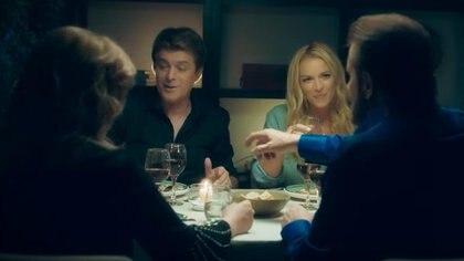 """Pimpinela, junto a Cabriel Corrado y Carina Zampini, en en el clip del tema """"Traición"""""""