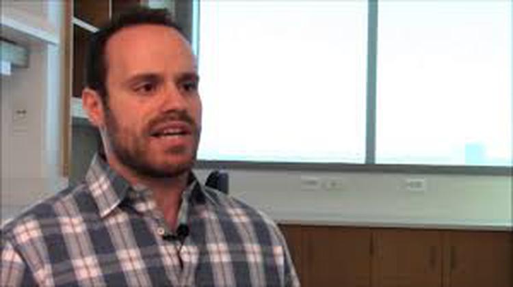 El doctor Robert A.J. Signer, biólogo de células madre en la División de Medicina Regenerativa de la Universidad de California, en San Diego