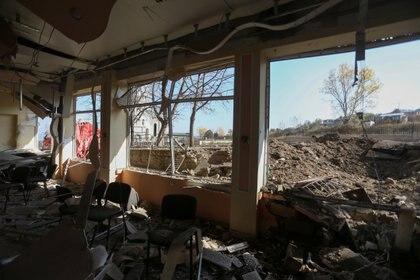 El interior de un edificio dañado tras el reciente bombardeo en la ciudad de Shushi (Shusha) el 29 de octubre de 2020. Vahram Baghdasaryan/Photolure vía REUTERS