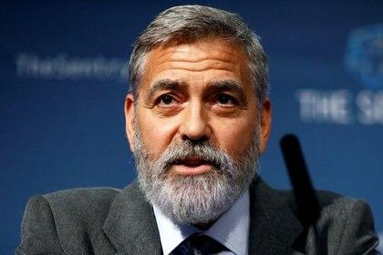 """George Clooney tuvo que ser hospitalizado de urgencia después de someterse a una estricta dieta para perder mucho peso en poco tiempo para la película """"The Midnight Sky"""" (Reuters)"""