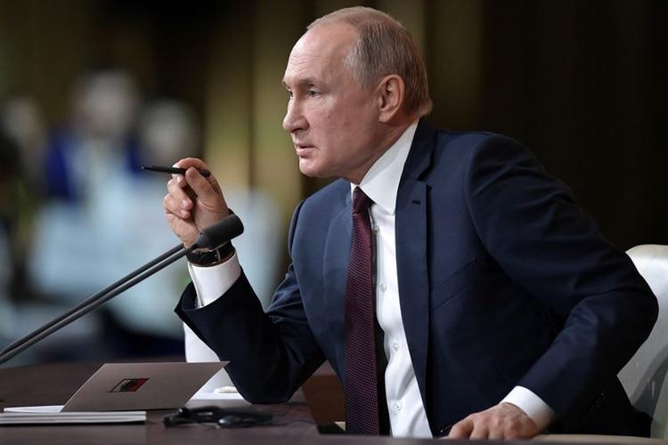 El presidente de Rusia, Vladimir Putin, participa de la conferencia de prensa de fin de año en Moscú, Rusia. 19 de diciembre, 2019. Sputnik/Aleksey Nikolskyi/Kremlin via REUTERS ATENCIÓN EDITORES - ESTA IMAGEN FUE PROVISTA POR UNA TERCERA PARTE.