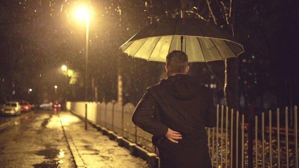 El dolor de espalda en invierno puede prevenirse (Getty Images)