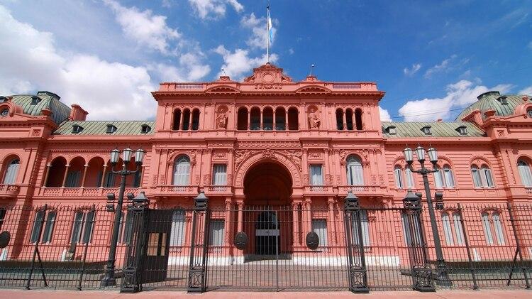 La Casa Rosada que heredó Mauricio Macri: cucarachas, comida en ...