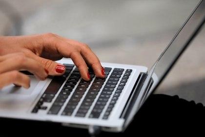 Se habilitará una web para cargar las facturas y obtener la devolución (REUTERS/Andrew Kelly)