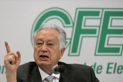 Manuel Bartlett ya había advertido que no habría aplazamientos ni condonaciones para las facturas de los hogares mexicanos Foto: EFE/Mario Guzmán