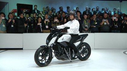 Honda probó el sistema a bordo de una NC750S, un modelo de producción en serie