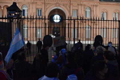 Muchos de los manifestantes después marcharon hacia la Plaza de Mayo