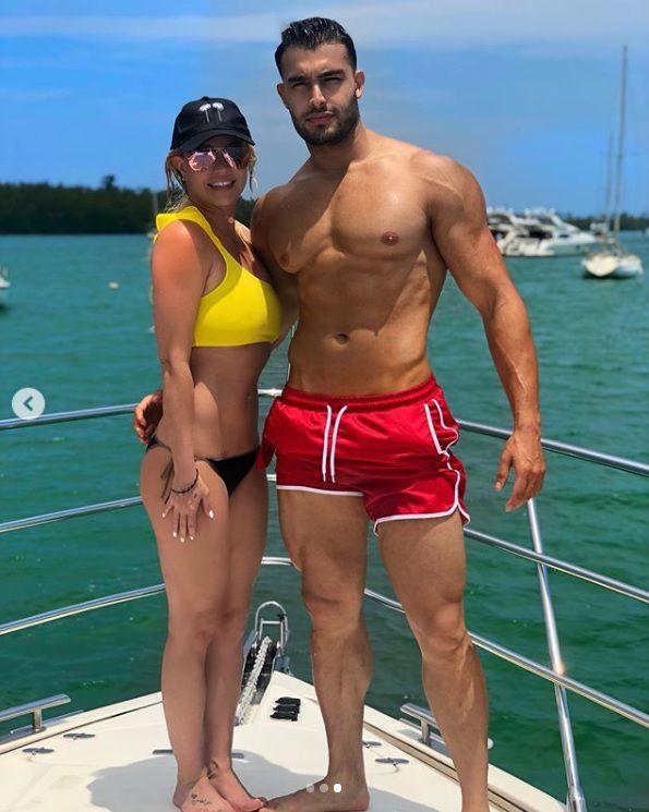 La cantante visitó las playas de Miami junto a su novio (Foto: Instagram -Britney Spears)