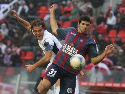 Independiente y San Lorenzo se midieron por la fecha 18 del Clausura 2012 en Avellaneda (FotoBaires)