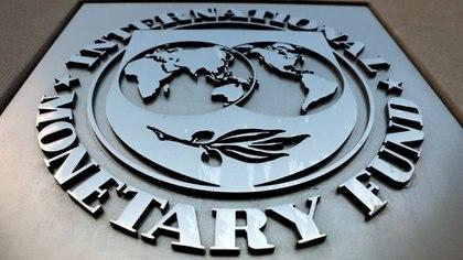 Frente de la sede del Fondo Monetario Internacional. (REUTERS/Yuri Gripas)