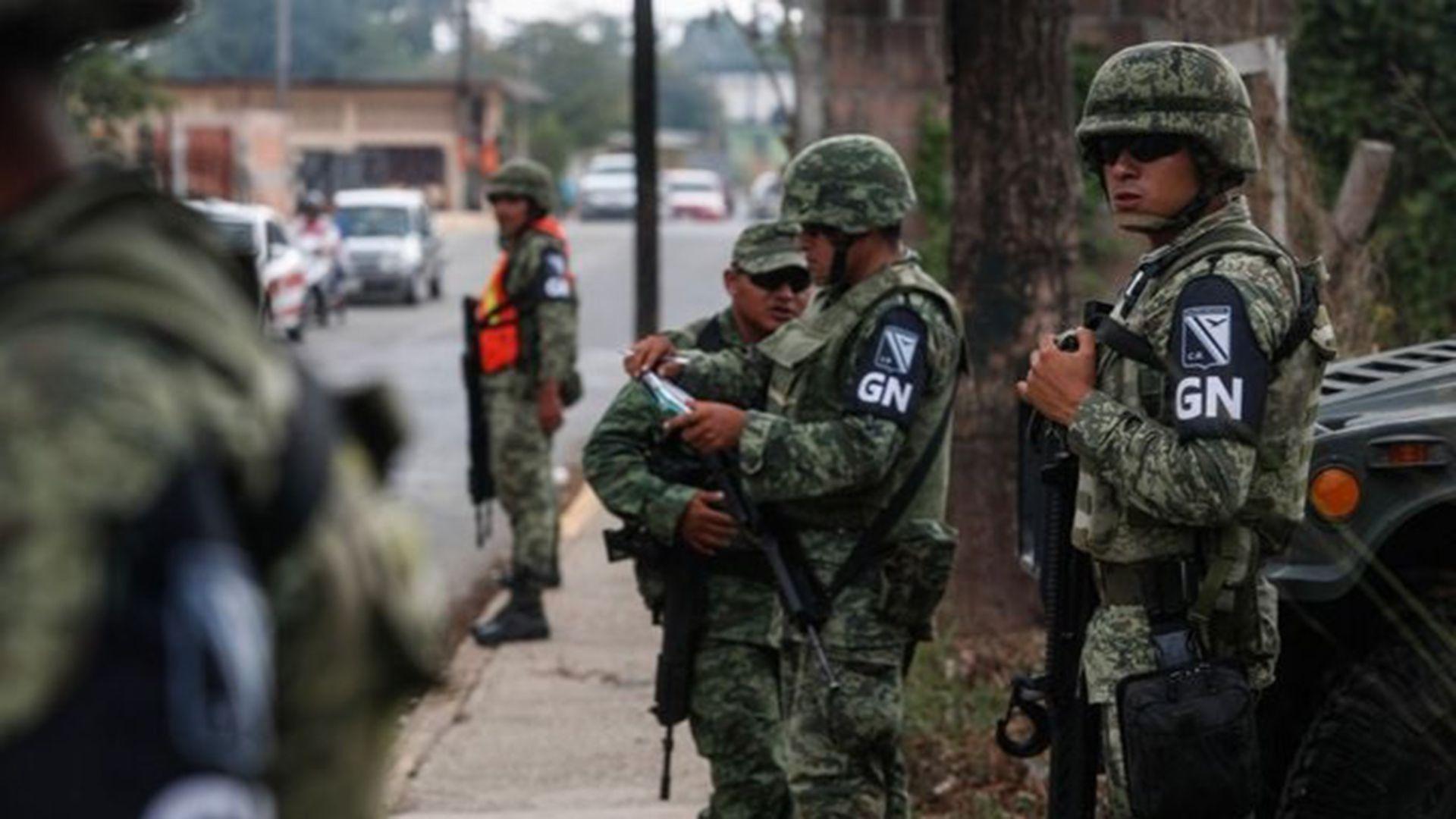México.- Cinco muertos en un enfrentamiento entre militares y pistoleros en Mich