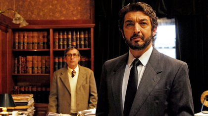 """Ricardo Darín y Guillermo Francella en una escena de """"El secreto de sus ojos"""", la película argentina ganadora del Oscar en 2009"""