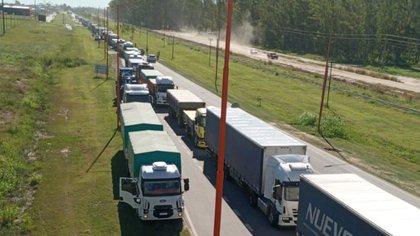 Se levantaron los bloqueos a los puertos del sur de la provincia de Buenos Aires, en medio del paro de los transportistas autoconvocados