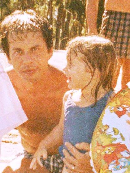 Junto a su papá, que murió de cáncer cuando ella tenía solo 10 años.