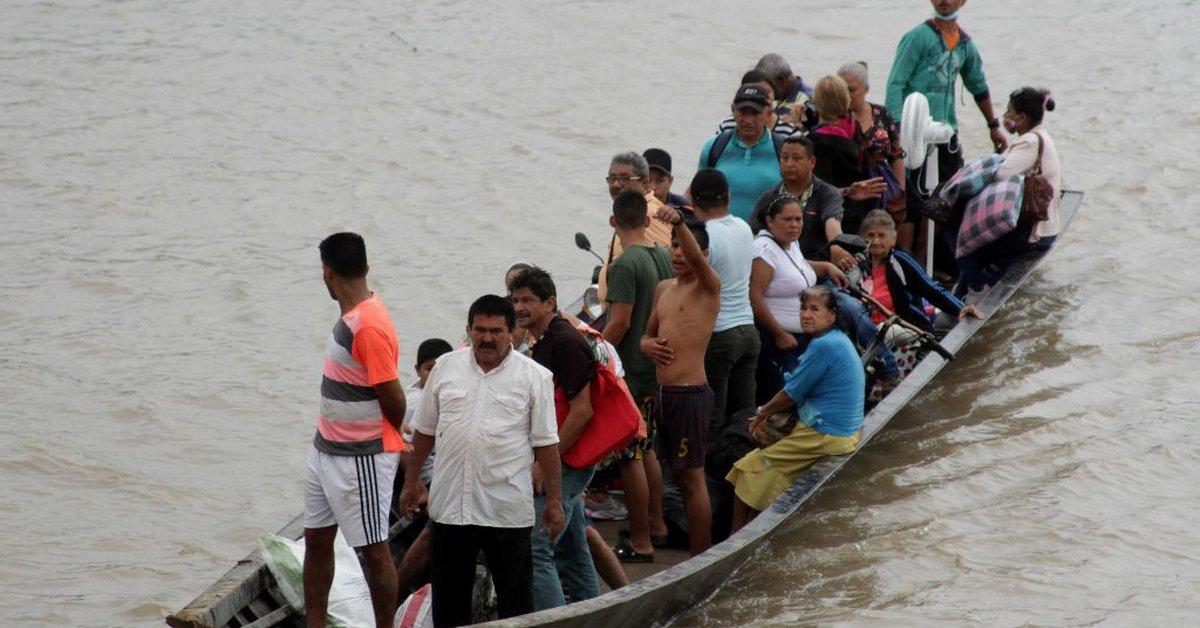 Venezolanos desplazados a Colombia denunciaron que cruzaron la frontera porque sus casas fueron incendiadas - Infobae