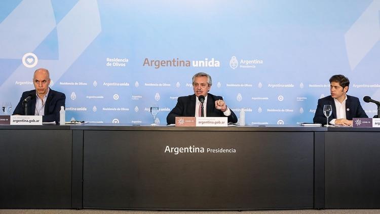 Alberto Fernández, Horacio Rodríguez Larreta y Axel Kicillof durante el último anuncio, en Olivos
