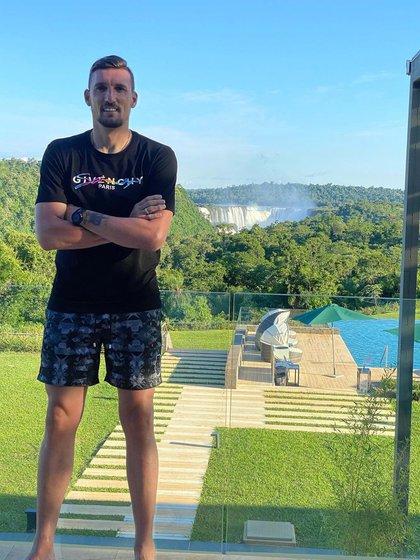 Franco Armani aprovechó sus mini vacaciones para ir a las cataratas de Iguazú (francoarmani34)