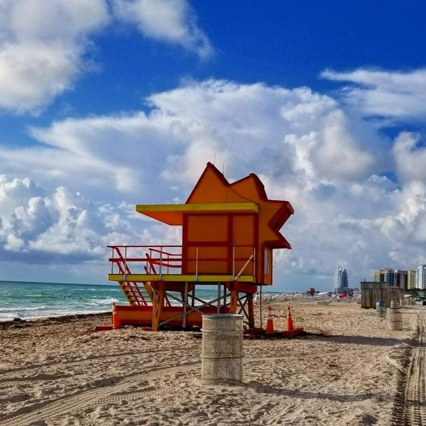 Miami Beach adelanta la hora de cierre de sus playas por motivos de seguridad