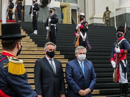 El Presidente reivindicó el rol de las FFAA durante la pandemia y anunció un reconocimiento salarial esperado