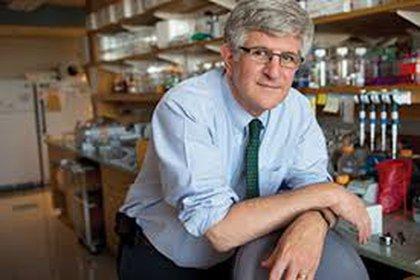 Offit dice ser realista y espera una vacuna hacia fin de este año