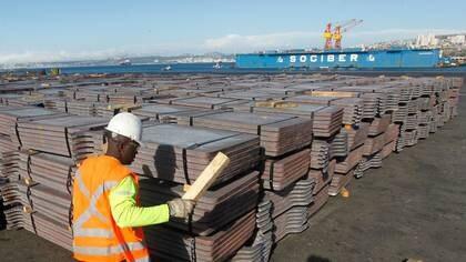 Economía chilena cae 14,1 % en abril por efectos de la Covid-19