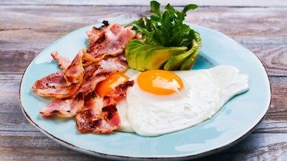 Calórico: huevos fritos, panceta y palta, el elegido por la holandesa Romee Strijd (Getty Images)