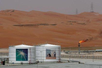 Imagen de una instalación de producción de crudo en el campo Shaybah de Saudi Aramco, en Arabia Saudita (REUTERS/Ahmed Jadallah)