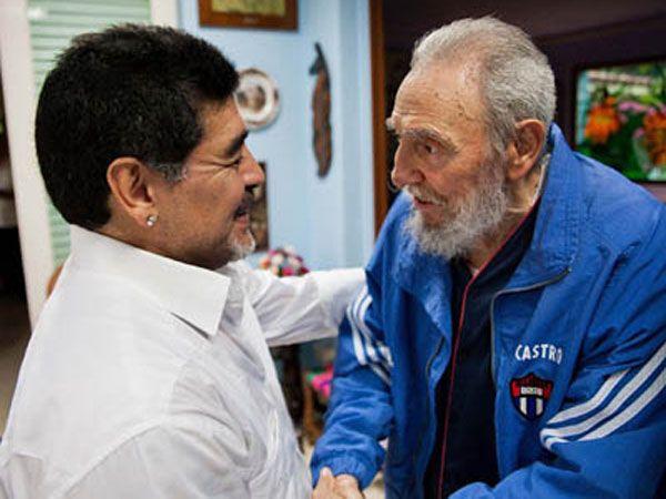 Maradona mantuvo una fuerte amistad con Fidel Castro hasta la muerte del Comandante en 2016