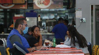 Restaurantes, fondas, cafeterías, entre los pequeños negocios que se encuentran en riesgo. (Foto: Cuartoscuro)