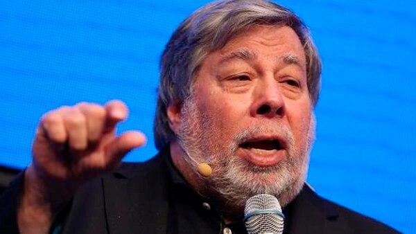 """""""Apple obtiene su dinero a través de buenos productos, no de ti. Como dicen, en Facebook tú eres el producto"""", señaló Steve Wozniak"""