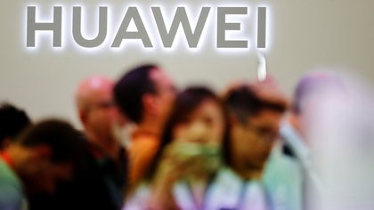 Huawei (REUTERS/Hannibal Hanschke/File Photo)