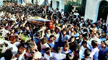 Una multitud despidió los restos de Carlos Monzón (Gentileza El Litoral)