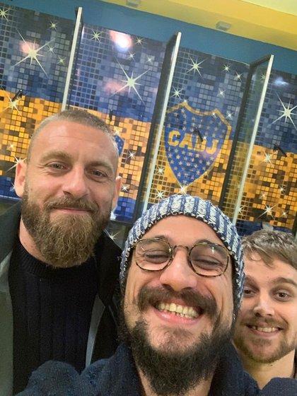 Osvaldo se tomó una foto con Daniele De Rossi en el vestuario de Boca