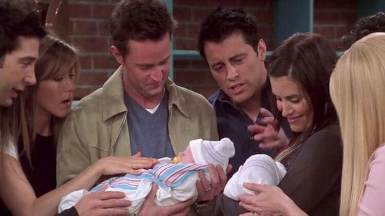 En el capítulo final, los Bing se convierten por fin en padres no sólo de un niño, sino de dos