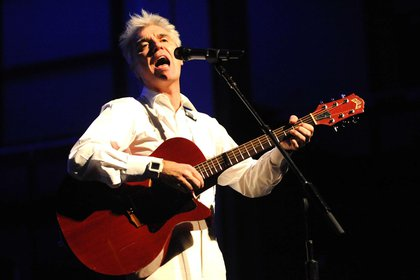 El polifacético artista volverá a salir de gira con un disco personal tras 14 años