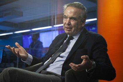 Durante la entrevista con Infobae, Pichetto no ocultó las críticas a la gestión de Macri y lamentó que algunas medidas que se tomaron después de las primarias del 11 de agosto no se hubieran tomado antes