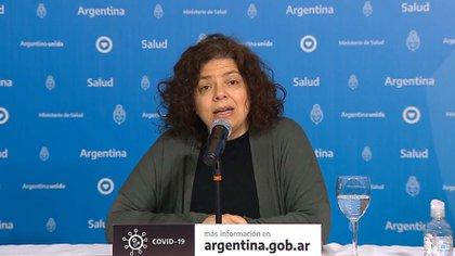 La secretaria de Acceso a la Salud, Carla Vizzotti, dijo que se trata de una medida a la que se llegó en consenso con el consejo de expertos y las autoridades de los municipios y jurisdicciones