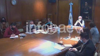 El Ministro de Salud Ginés González García encabezó la reunión para anunciar el borrador de la nueva reglementación de la ley de cannabis medicinal