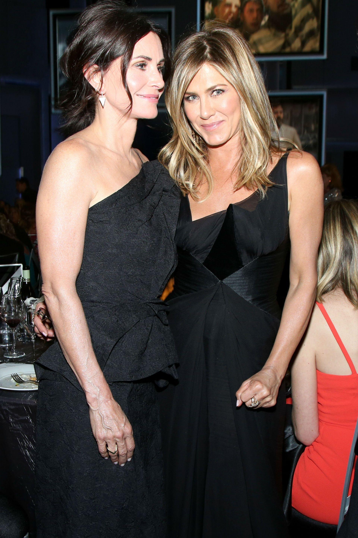 Courteney Cox y Jennifer Aniston, amigas íntimas. Nunca dejaron de verse desde el día que se conocieron el el casting de Friends y se acompañan en todos los momentos de la vida