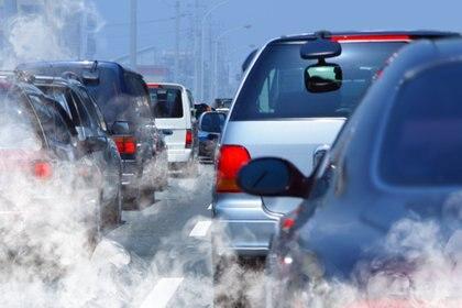 La abundante polución urbana aumenta el riesgo de padecer problemas respiratorios, cáncer de pulmón y enfermedades cardiovasculares (iStock)