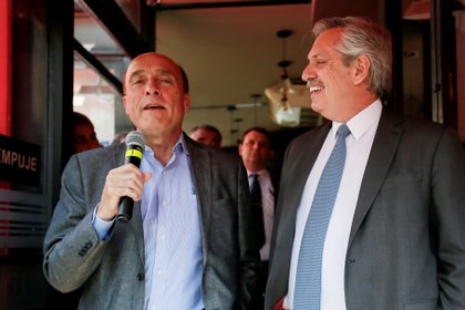Alberto Fernandez estuvo en Montevideo para respaldar al candidato presidencial Daniel Martínez del Frente Amplio , Uruguay November 14, 2019. REUTERS/Mariana Grief