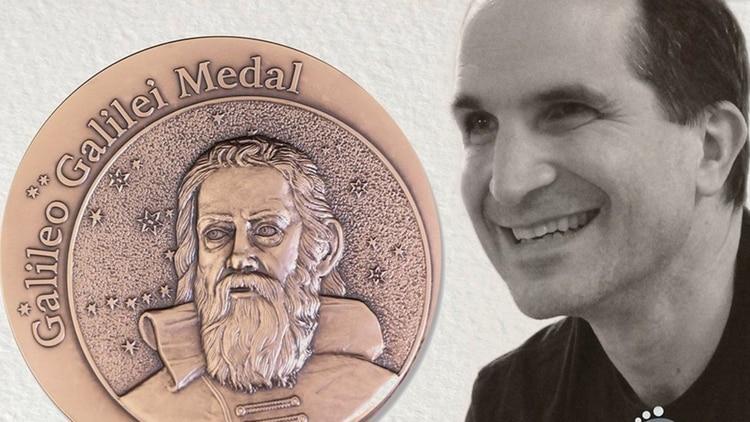 El físico argentino Juan Martín Maldacena recibió en mayo de 2019 la Medalla Galileo Galilei